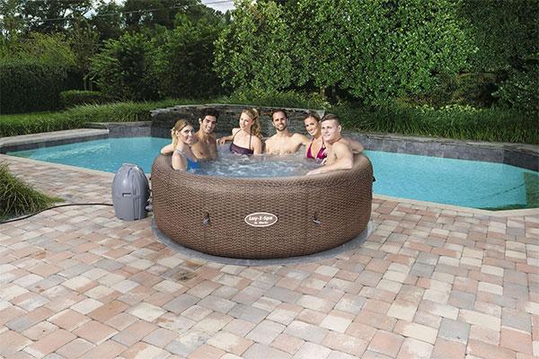 Spa gonflable bestway st moritz 5 7 places for Cash piscine eclairage