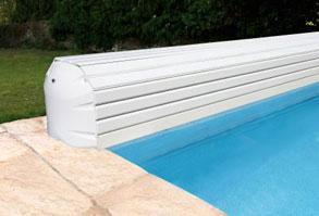 Volet piscine hors sol électrique avec coffre en pvc
